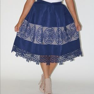 NAVY AND BEIGE EMBROIDERED MIDI SKIRT